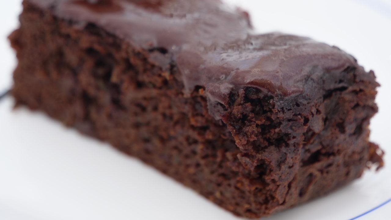 Sunn og saftig sjokoladekake